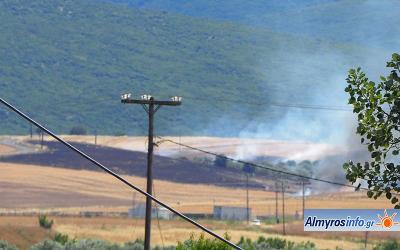 Πυρκαγιά έκαψε 90 στρέμματα καλλιεργειών κοντά στα Ζερέλια