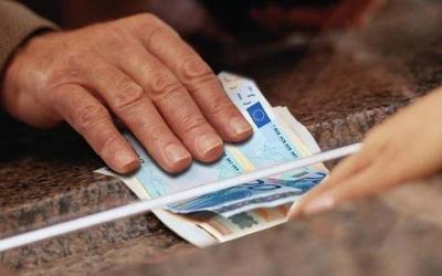 Κοινωνικό εισόδημα αλληλεγγύης: Πότε διακόπτεται η καταβολή, ποιες οι κυρώσεις για όσους δηλώνουν ανακριβή στοιχεία