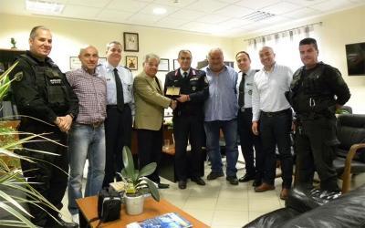 Επιχειρηματίας από τον Αλμυρό βραβεύτηκε για την προσφορά του προς την Ελληνική Αστυνομία