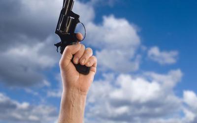 Επεισόδιο με γείτονες στο Αχίλλειο - 72χρονος πυροβόλησε στον αέρα