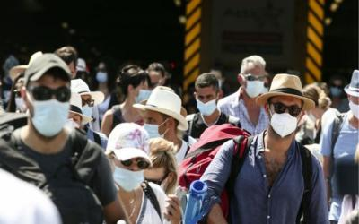 Κορωνοϊός: Μάσκες παντού και νέα μέτρα φέρνει η αύξηση των κρουσμάτων