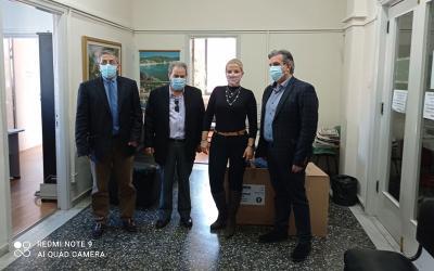 Μάσκες, φόρμες προστασίας και γάντια παρέδωσε η ΕΚΠΟΛ σε δομές υγείας της Μαγνησίας