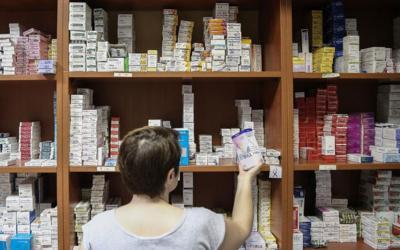 """Φάρμακα: """"Μπλόκο"""" στις αυξήσεις! Τι προβλέπει η τροπολογία του υπ. Υγείας"""
