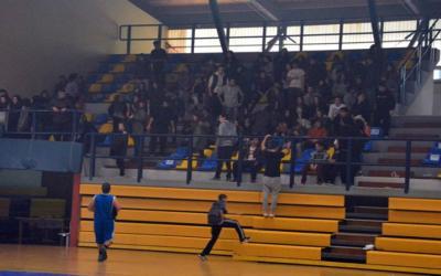Φαινόμενα χουλιγκανισμού σε σχολικό πρωτάθλημα μπάσκετ