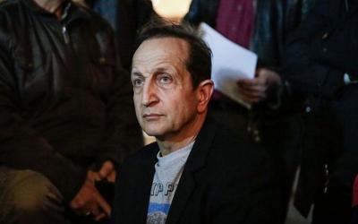 """""""Μέτριος Εγώ"""": Ο Τσαφούλιας και άλλοι διάσημοι στο πλευρό του Σπύρου Μπιμπίλα"""