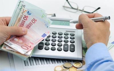 Ρύθμιση χρεών: Πώς θα τακτοποιήσετε τις οφειλές σας προς εφορία και ταμεία