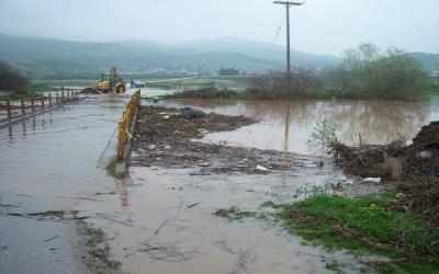 Eξουσιοδότηση στον Περιφερειάρχη για πλημμυρόπληκτες περιοχές με παρέμβαση Χρυσοβελώνη