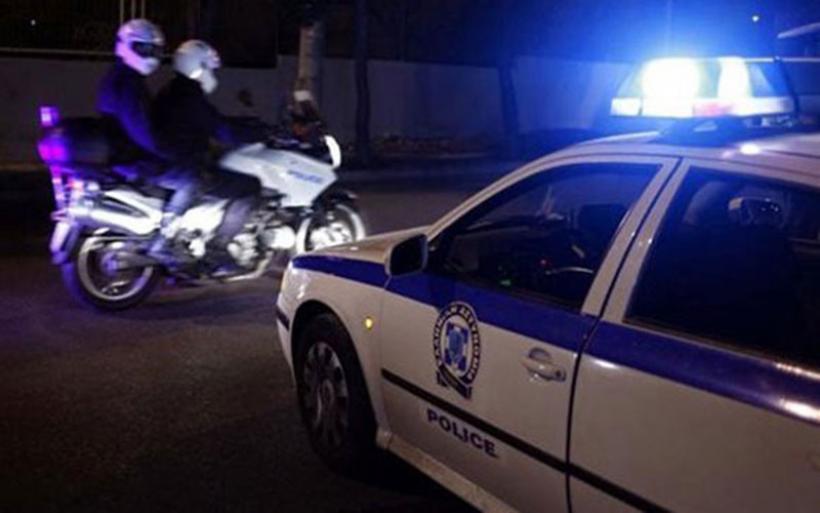 Βούλα: Νεαρός έφτυνε αστυνομικούς και φώναζε πως είχε κορονοϊό
