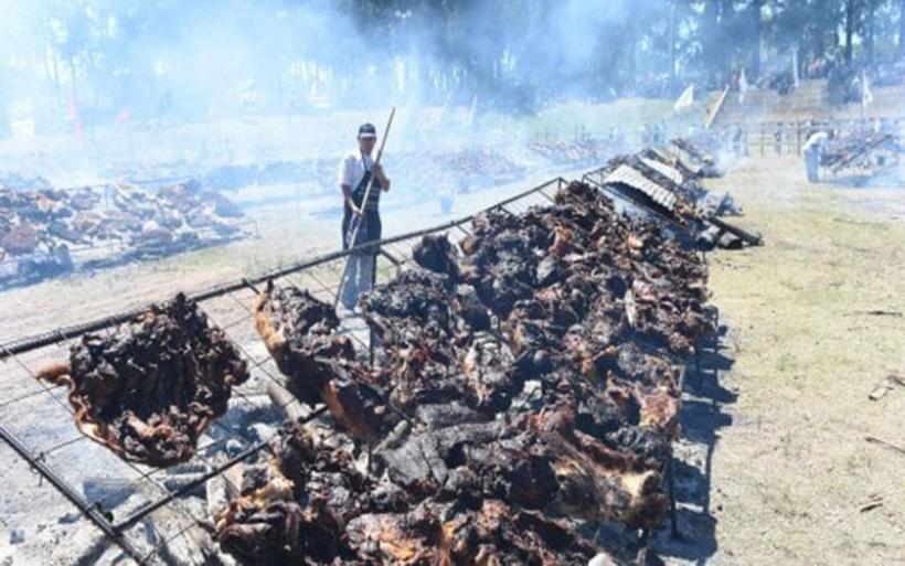 Στο Ρεκόρ Γκίνες μπάρμπεκιου με 11,9 τόνους κρέατος
