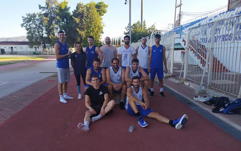 Ευχαριστήριο τμήματος μπάσκετ Γ.Σ.Α. προς την προπονήτρια στίβου του Συλλόγου Χ. Καραπτσιά