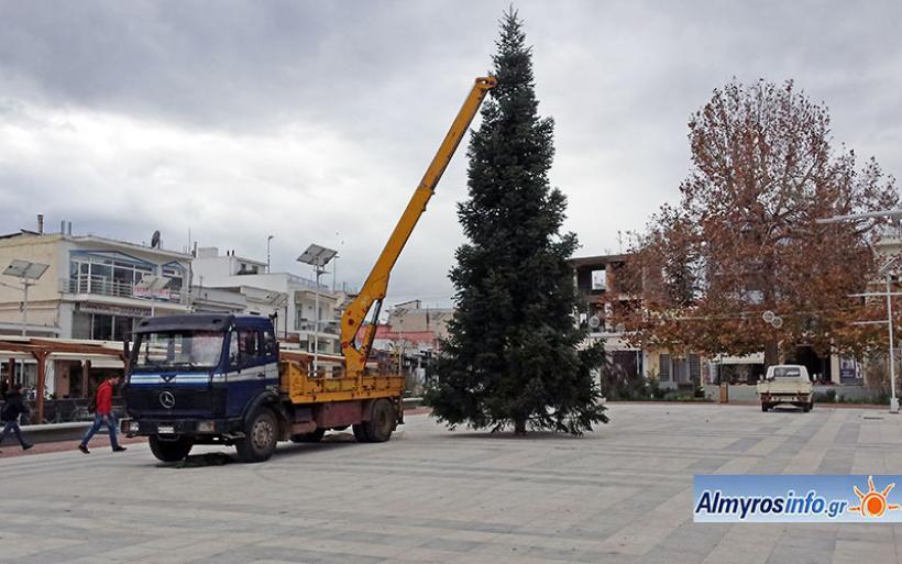 Σε Χριστουγεννιάτικο κλίμα ο Αλμυρός