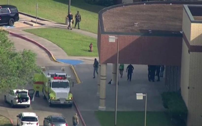 ΗΠΑ: Μακελειό από ένοπλο σε λύκειο του Τέξας - Τουλάχιστον δέκα οι νεκροί