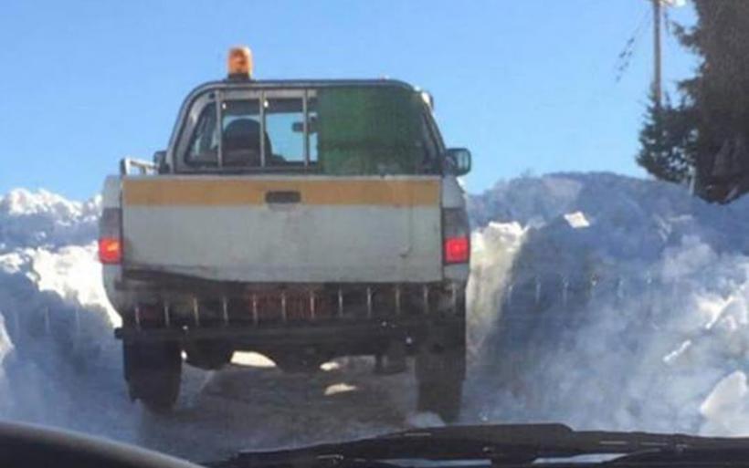Πολύ χιόνι στην Όθρυ -Διάνοιξη του δρόμου από Κωφοί προς Κοκκωτοι