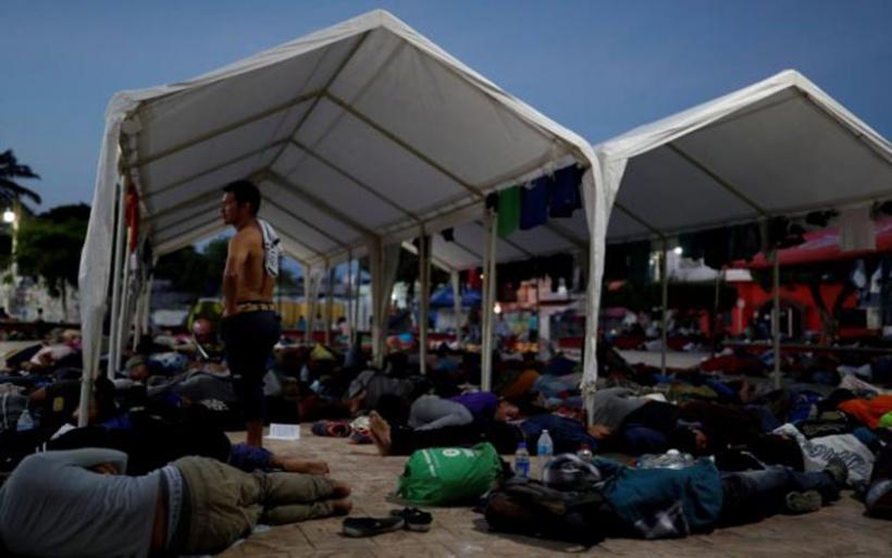 Τραμπ: Πέτρες οι πρόσφυγες; Σφαίρες ο αμερικανικός στρατός