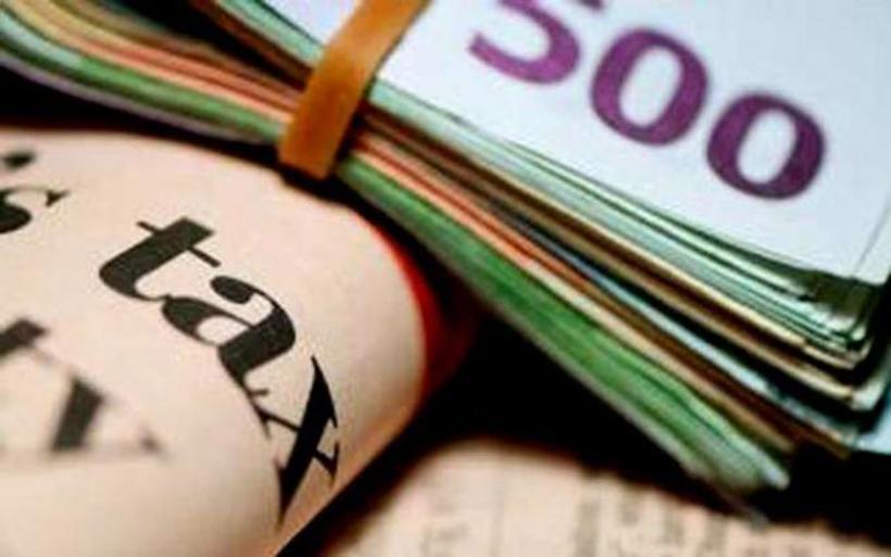 Ξεμπλοκάρουν οι επιστροφές φόρων έως 10.000 ευρώ