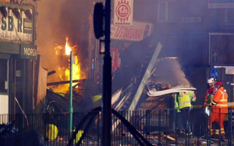 Βρετανία: Τρεις συλλήψεις στις έρευνες για την αιματηρή έκρηξη στο Λέστερ με τους πέντε νεκρούς