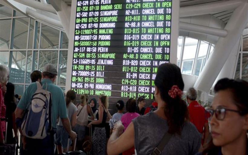 Ξανά σε λειτουργία το αεροδρόμιο του Μπαλί - Άλλαξε πορεία η τέφρα