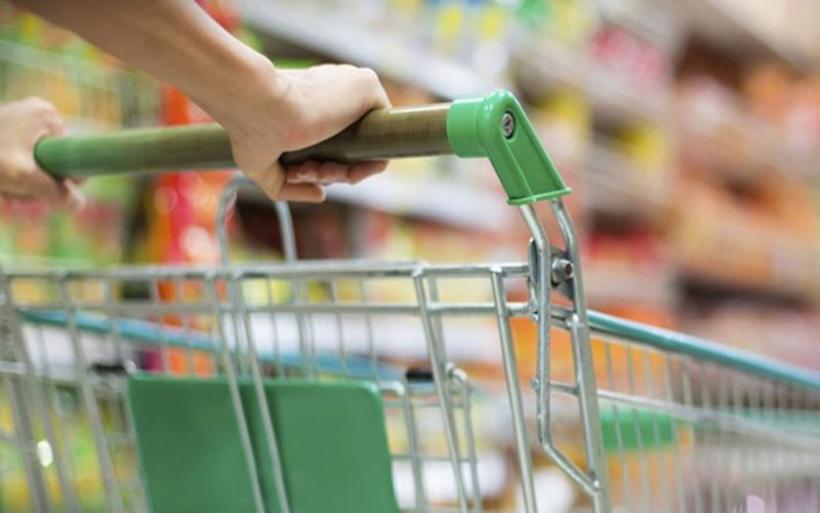 ΦΠΑ 13% σε τρόφιμα και εστίαση - Πού θα μειωθούν οι τιμές