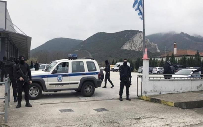 Καβάλα: Έφοδος της αστυνομίας σε αντιπροσωπεία αυτοκινήτων - Σκάβουν για να βρουν 4,2 εκατ. ευρώ
