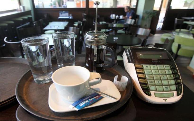ΦΠΑ : Σε ποια προϊόντα μειώνεται ο φόρος από Δευτέρα