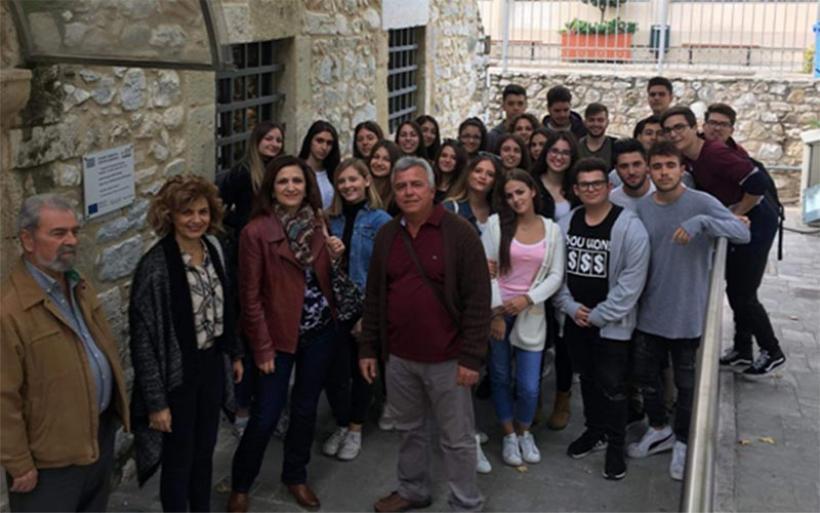 Διδακτική επίσκεψη του ΓΕΛ Ν. Αγχιάλου στο ¨Μουσείο Εθνικής Αντίστασης Λάρισας¨