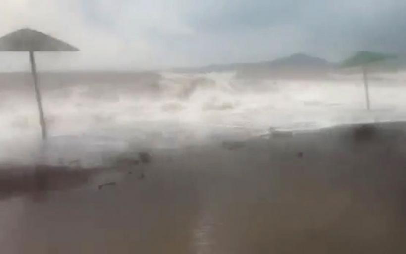 Βίντεο από την κακοκαιρία στην παραλία Αη Γιάννη Ευξεινούπολης