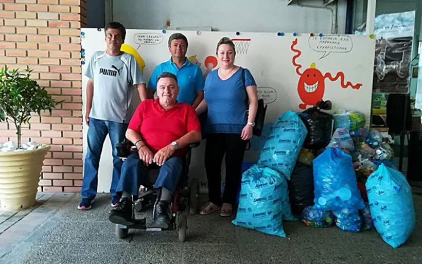 Μεγάλη ποσότητα από πλαστικά καπάκια παρέδωσε ο Σύλλογος Απανταχού Αναβριωτών