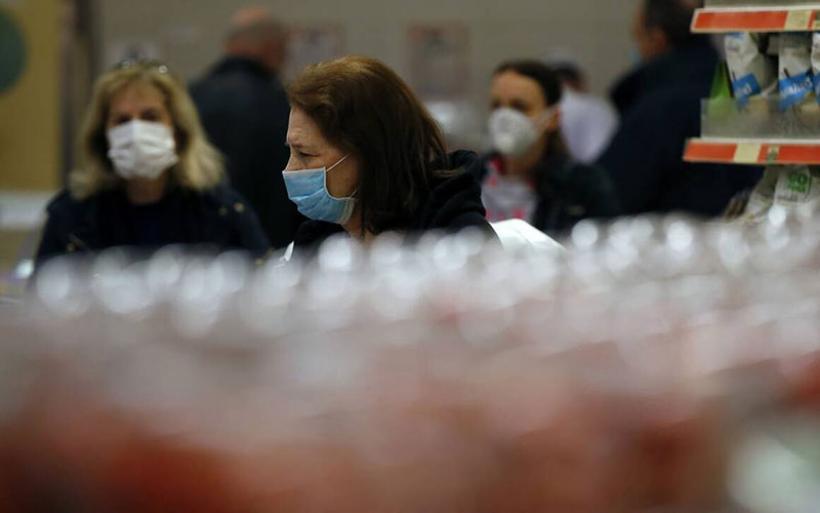 Κορωνοϊός: Υποχρεωτική η μάσκα σε κλειστούς χώρους από σήμερα - Αυτά είναι τα νέα μέτρα