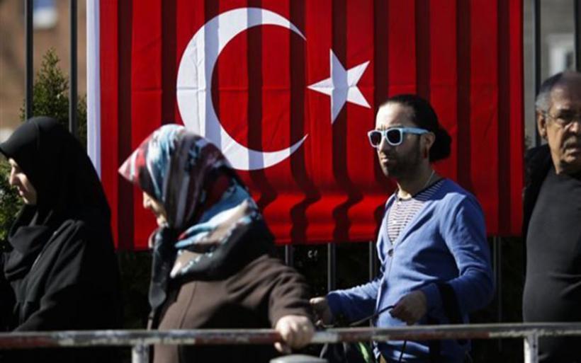 WAZ: Τούρκοι καταφεύγουν στην Ελλάδα για να γλιτώσουν από τον Ερντογάν
