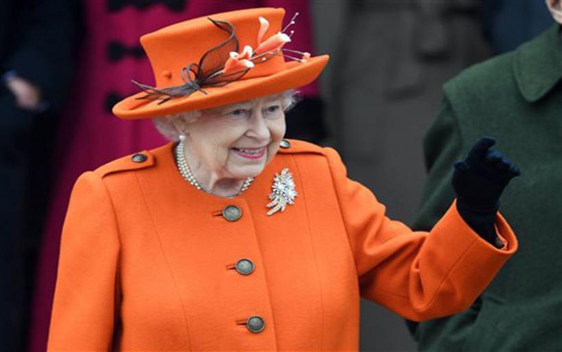 Οι βασιλικοί στηθόδεσμοι χάνουν την εμπιστοσύνη της Ελισάβετ