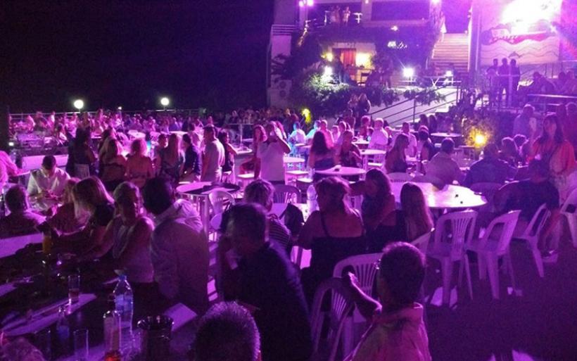 Πλήθος κόσμου στο Disco party του Φιλοπρόοδου Συλλόγου Νέας Αγχιάλου
