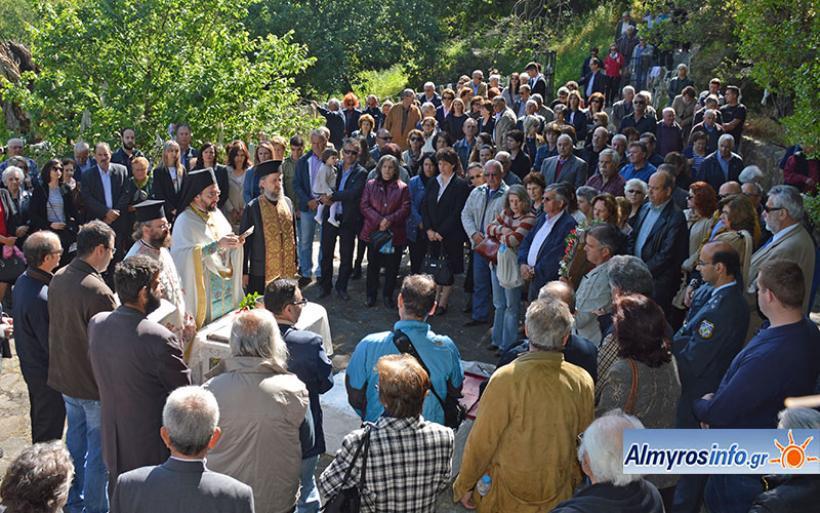 Πλήθος πιστών στον εορτασμό του Αγ. Νικολάου εν Βουνένοις στο Μπακλαλί (βίντεο&φωτο)