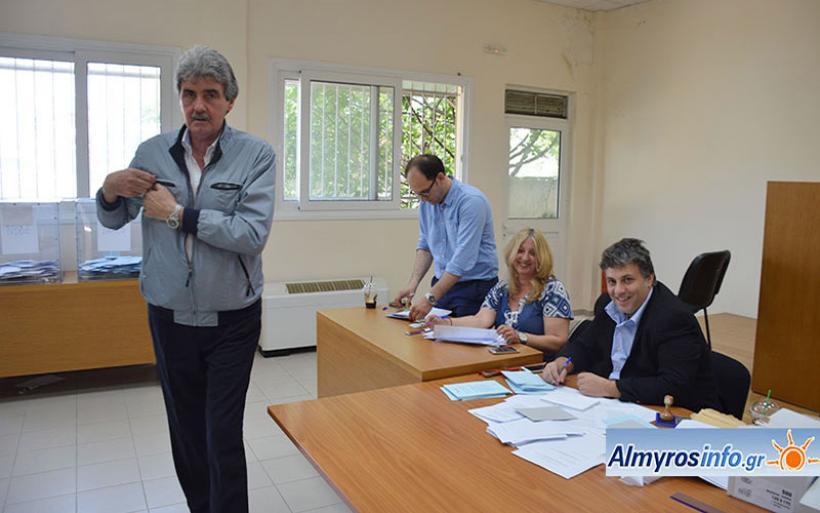 Υψηλή συμμετοχή στις εκλογές της ΝΟΔΕ στον Αλμυρό (φωτο)