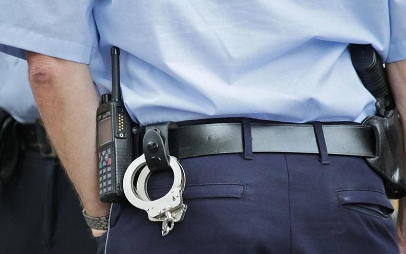 Βόλος: 34χρονος άνεργος ξυλοφόρτωσε μάνα και αδελφή επειδή δεν του έδιναν χρήματα