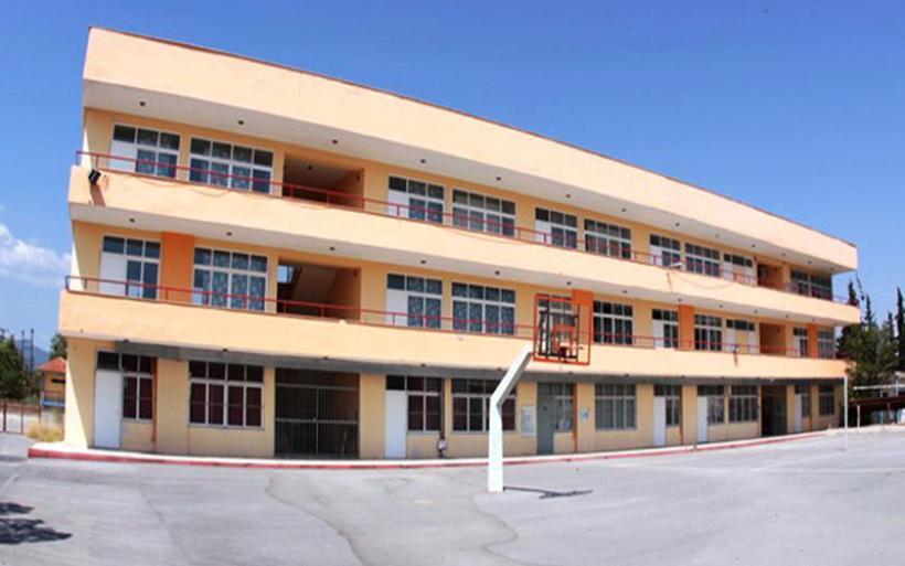 Μικρή η προσέλευση των μαθητών της Γ' Λυκείου στη Μαγνησία την πρώτη μέρα λειτουργίας