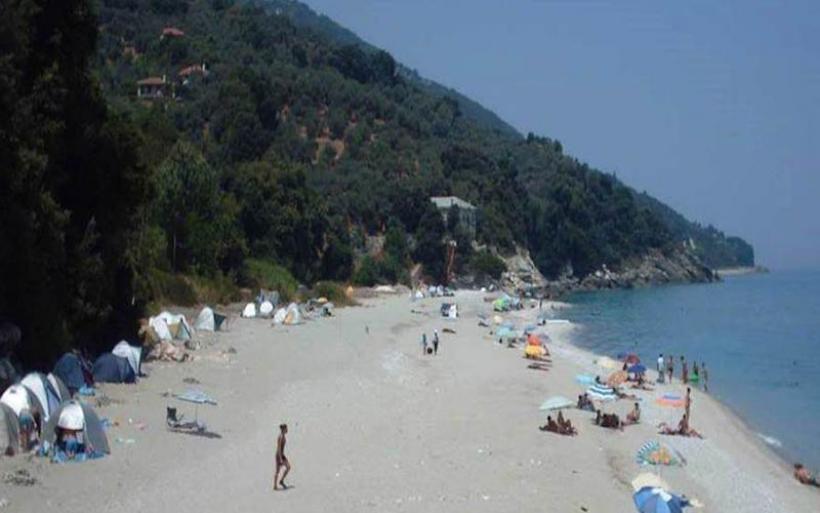 Πήλιο: Μηνύσεις σε βάρος 57 παράνομων κατασκηνωτών στην παραλία Παρίσαινα