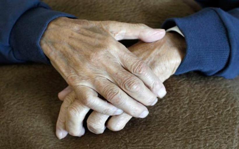 Κοροναϊός : Συγκλονίζει η είδηση για ζευγάρι ηλικιωμένων στο Βόλο – «Έφυγαν» από τη ζωή με μια μέρα διαφορά
