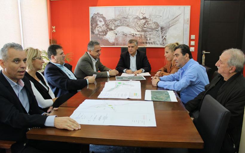 Ξεκινά η κατασκευή των δύο κυκλικών κόμβων στην ΠΕΟ Λάρισας – Βόλου από την Περιφέρεια Θεσσαλίας