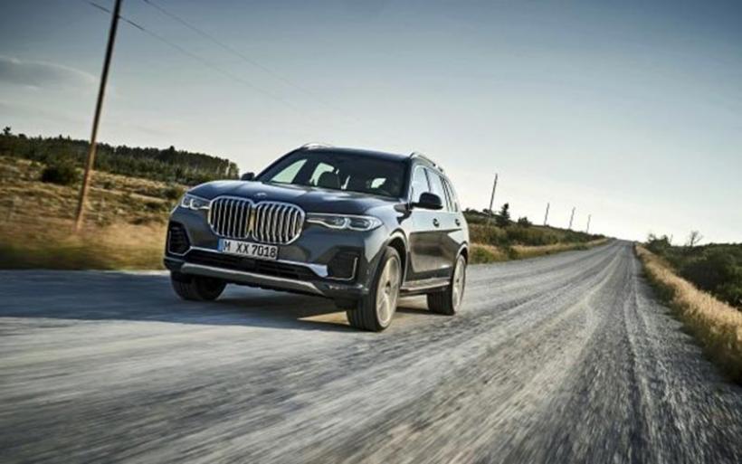 Ρεσιτάλ πολυτέλειας και τεχνολογίας από τη νέα BMW X7
