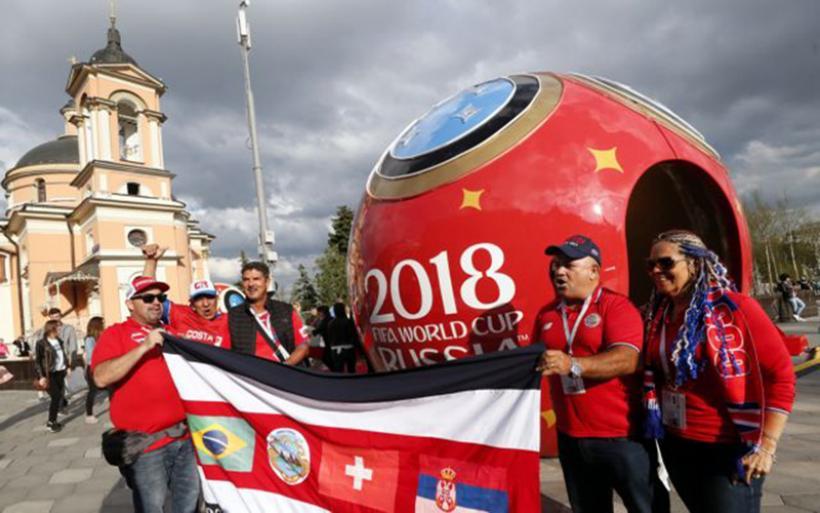Αρχίζει η γιορτή του παγκόσμιου ποδοσφαίρου