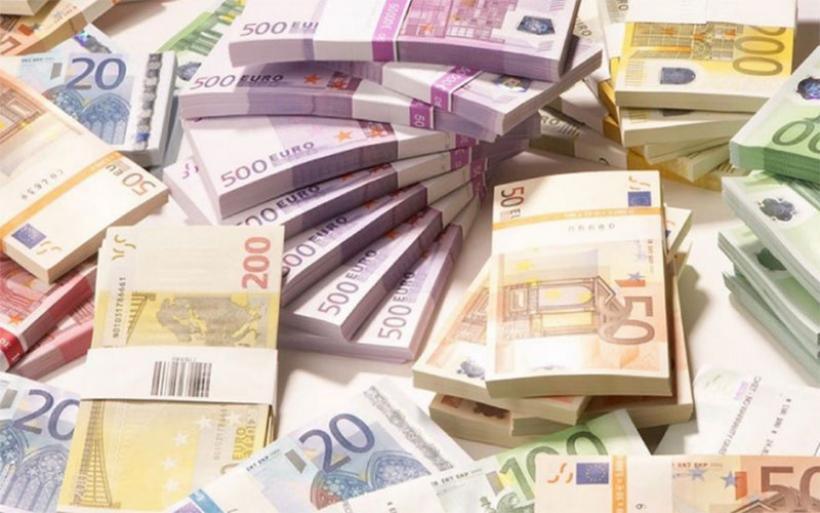 Πρόταση για μεγάλη μείωση του ορίου συναλλαγών με μετρητά