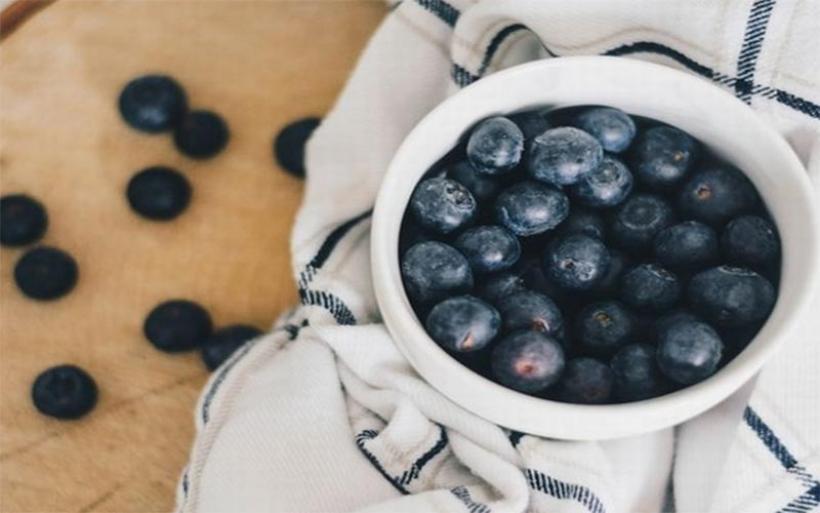 Οι 5 τροφές που ''εξολοθρεύουν'' το λίπος στην κοιλιά