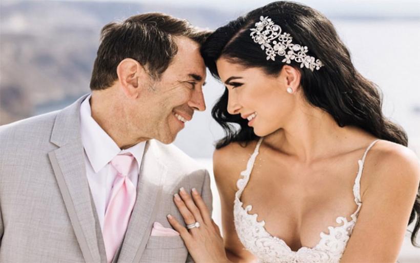 Ο χλιδάτος γάμος του πλαστικού του Χόλλυγουντ με Ελληνίδα στη Σαντορίνη!