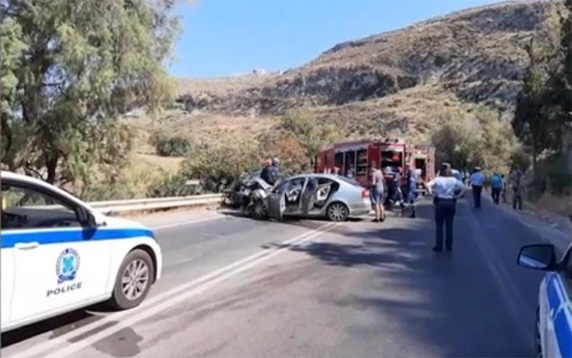 Κρήτη: Νεκρές μητέρα και κόρη σε μετωπική σύγκρουση με δύο Ι.Χ.