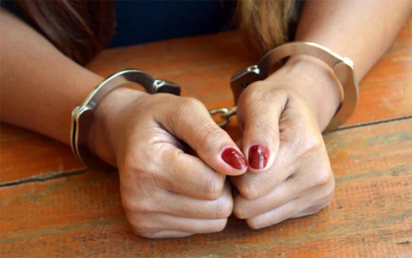 Θηλυκή συμμορία προσέγγιζε ηλικιωμένους και τους «ξάφριζε» με μια… αγκαλιά