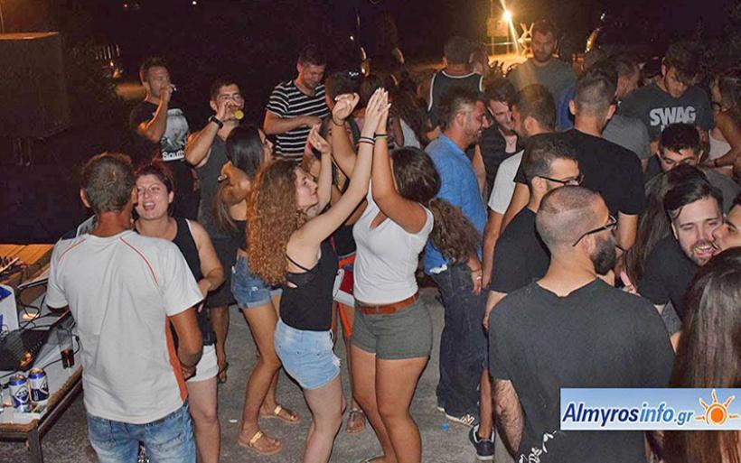 Το καλοκαιρινό party του Αίαντα Σούρπης στις Νηές (ΦΩΤΟ)