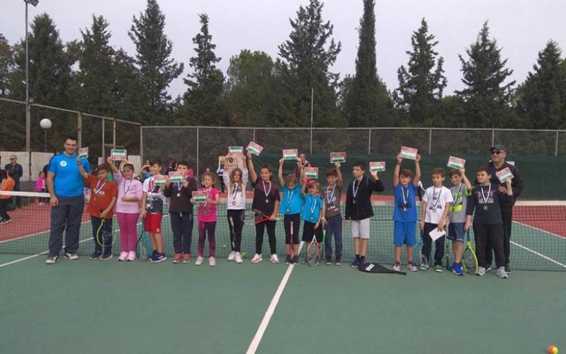 Με επιτυχία το 2ο φθινοπωρινό εσωτερικό τουρνουά τέννις του ΕΟΣ Αλμυρού (φωτο)