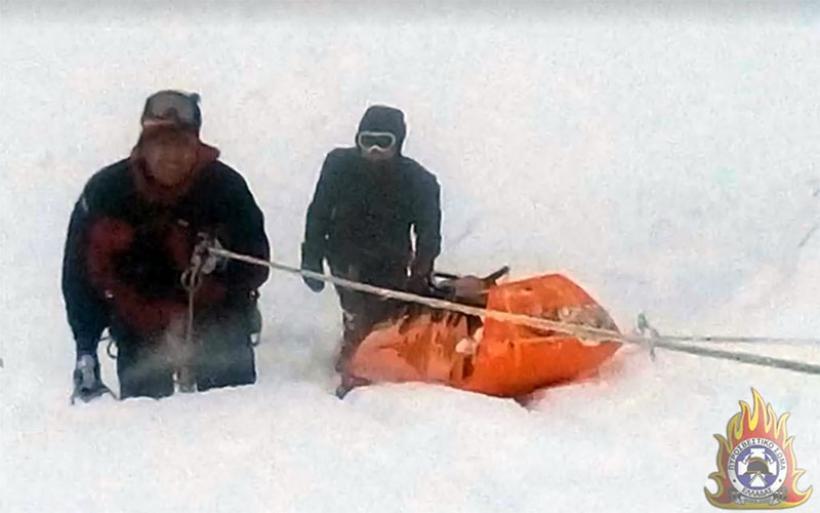 Βίντεο από την επιχείρηση ανάσυρσης των δύο νεκρών ορειβατών στο Καϊμάκτσαλαν