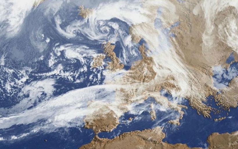 Αντικυκλώνας : Από φθινόπωρο… καλοκαίρι με τριαντάρια – Τι προβλέπει ο Καλλιάνος