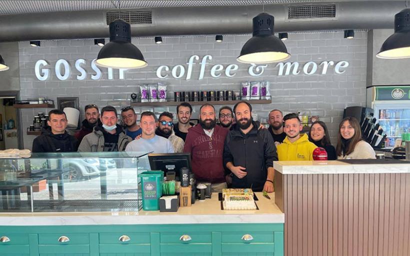 """Πέντε χρόνια επιτυχημένης λειτουργίας για το  """"GOSSIP coffee & more"""" στον Αλμυρό"""